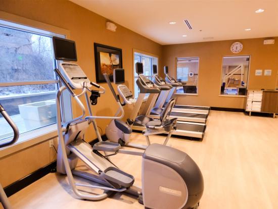 Plymouth, MI: Fitness Center featuring Precor Equipment