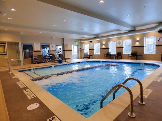 Plymouth, MI: Indoor Pool featuring Bubble Lounge