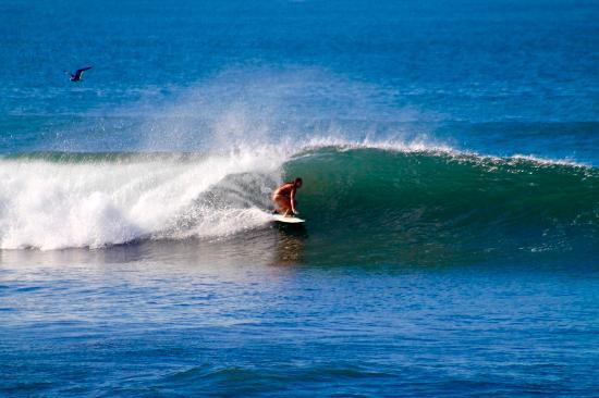 El Transito, نيكاراجوا: Fun waves in front
