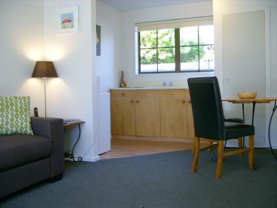 Tudor Court Motel: One Bedroom Unit