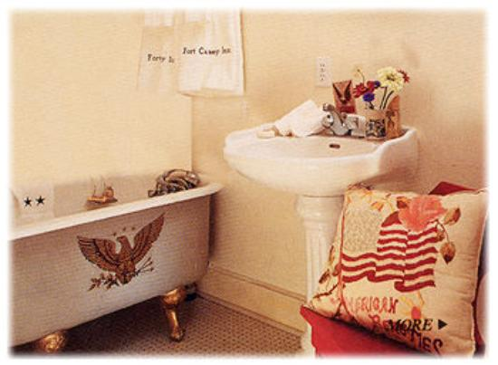 Fort Casey Inn : Eagle's Nest Bathroom (Unit 9)