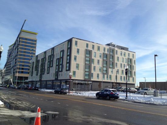 Aloft and Element Boston Waterfront Set to open in 2016