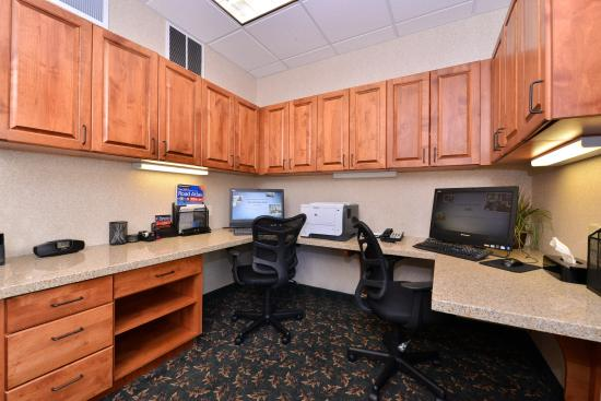 Hampton Inn Idaho Falls At the Mall: business center
