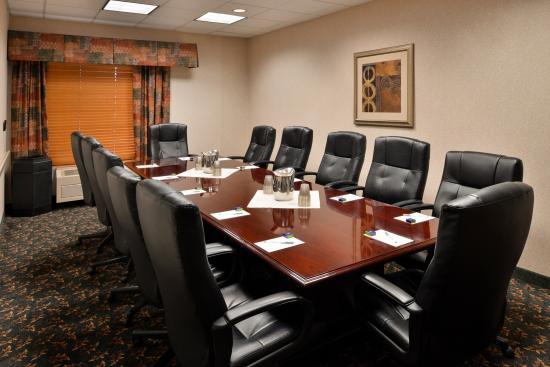 Hampton Inn Idaho Falls At the Mall: board room meeting room