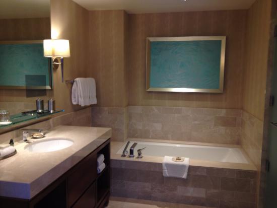 bathroom in suite picture of four seasons hotel baltimore rh tripadvisor com