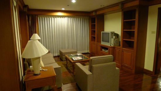 Bliston Suwan Park View: living room