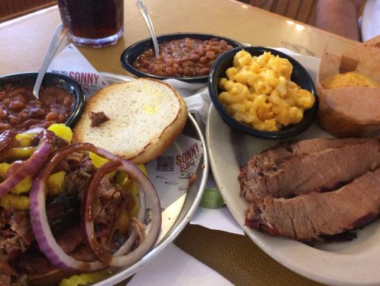 Bushnell, FL: BBQ