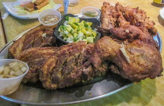 West Covina, Kalifornien: Lechon kawali, kuya's fried chicken and lechon ribs