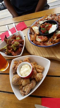Auckland Region, Yeni Zelanda: Wings , Wedges & Japanese fried chicken