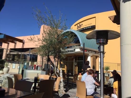 Rancho Mirage, CA: Outdoor Seating