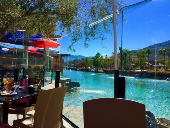 Rancho Mirage, CA: Beautiful man made river