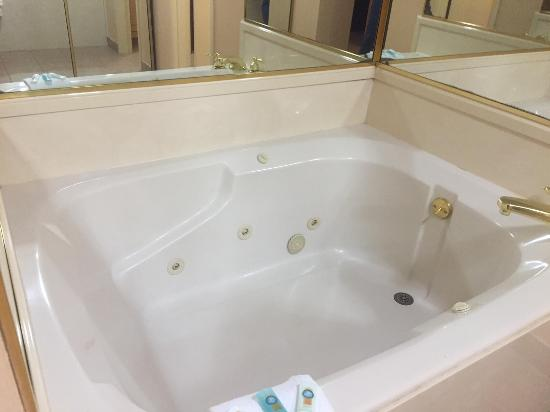 Nacogdoches, TX: In Room Jacuzzi............NICE!
