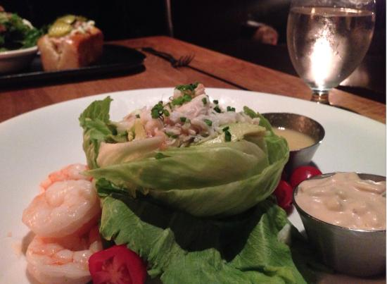West Vancouver, Canada: Seafood Louie Salad