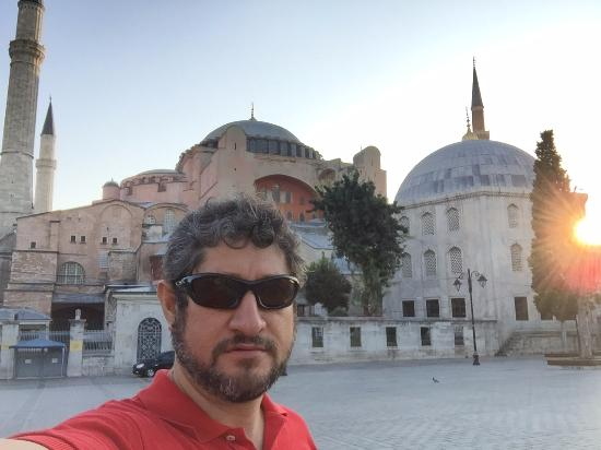 Avicenna Hotel : 4 blocks away from Hagia Sophia Museum