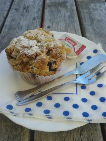Mamaku Blue Blueberry muffin, it's a must to try in New Zealand! yummmmmmy~~