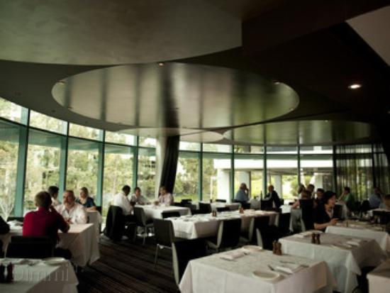 Baulkham Hills, Australia: Inside seating with aircon and a lovely view over the lake.