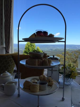 Medlow Bath, Australia: High tea in The Winter garden restaurant