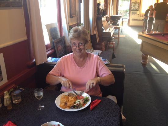 Greymouth, Neuseeland: A stunning Ribeye Steak medium rare melted in the mouth
