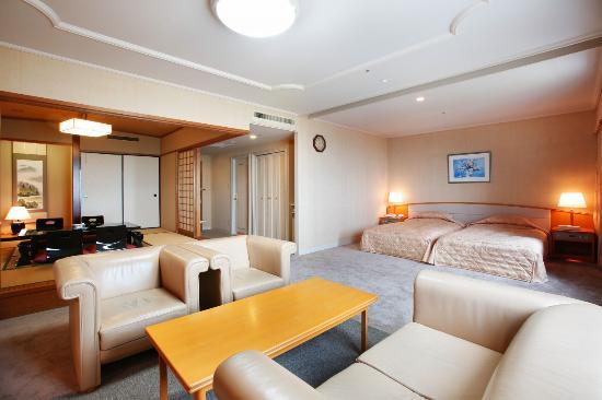 Royal Hotel Toyama Tonami