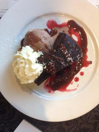 Greymouth, Νέα Ζηλανδία: Ultimate Chocolate Fix large slice of chocolate mouse cake, Chocolate ice cream and whipped crea
