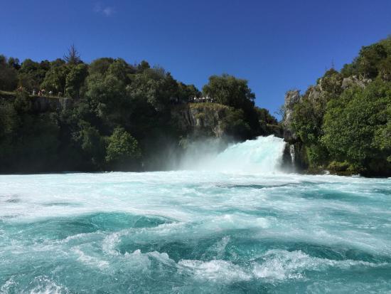 Taupo, New Zealand: huka fall