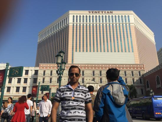 The Venetian Macao Resort Hotel: Fornt view
