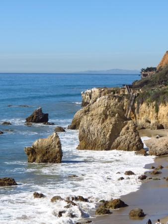 El Matador State Beach Walk To This Rock Then Find The Next Rocks And