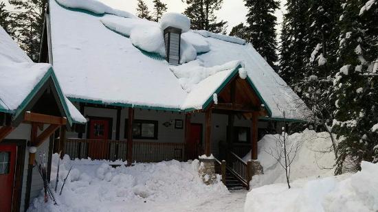 Field, Canadá: Cabin is a 4-plex