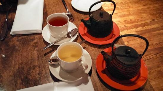 Field, Kanada: Tea