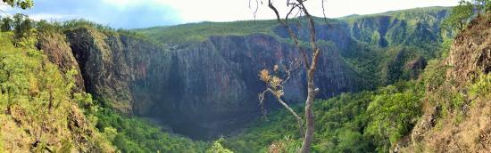 Ingham, Australia: Wallaman Falls Panorama
