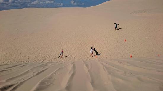 Nelson Bay, Australië: Great sandboarding adventure
