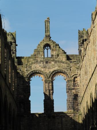 Kirkstall Abbey: Beautiful blue sky shows off these windows.