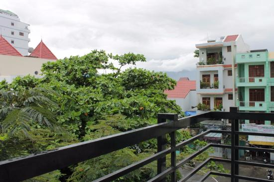 Blue Star Hotel: Вид с балкона, номер 203