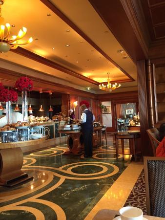 Four Seasons Hotel Cairo at Nile Plaza: Breakfast area