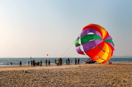 Majorda, India: Пляжные развлечения. Чуть больше 3 минут и 1000 рупей