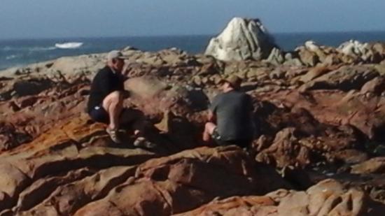 Paternoster, Afrika Selatan: Having a drink on the rocks