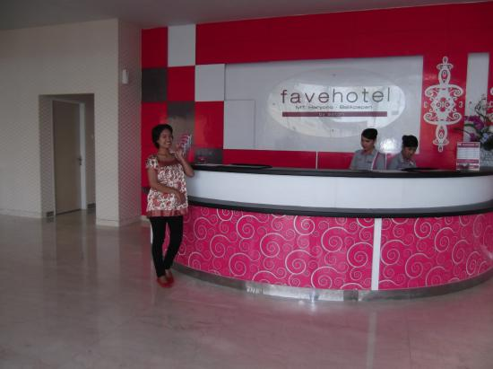 Magenta Front Desk Is So Girly Picture Of Favehotel Mt Haryono