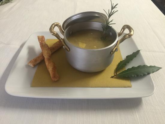 Casalmaggiore, Italia: zuppa di legumi