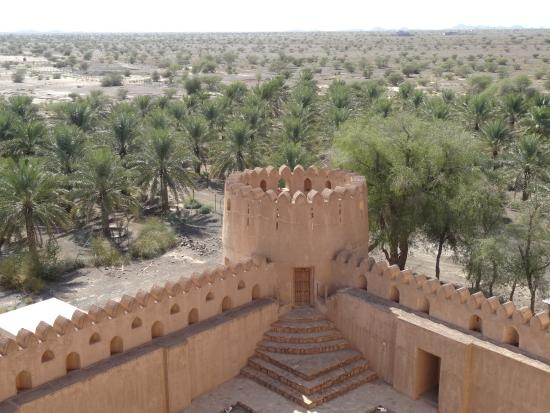 Jabrin Fort: Blick in Richtung Wüste