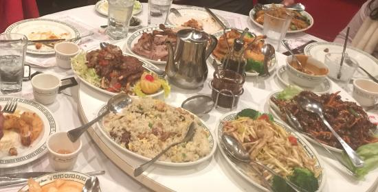 Peking Duck Restaurant: We had called for the 6 person Buffet. The Portions are huge and Tasty
