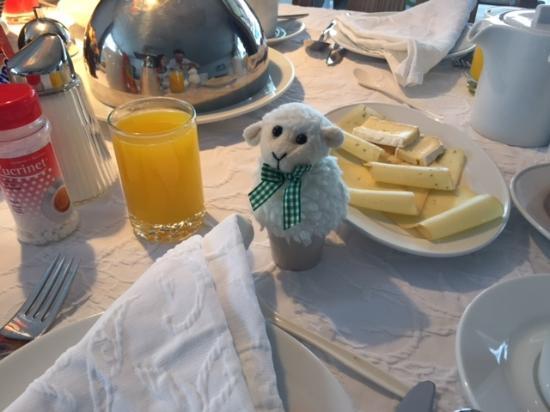 Hotel Firefly: Das gekochte Ei im Schafskleid :-)