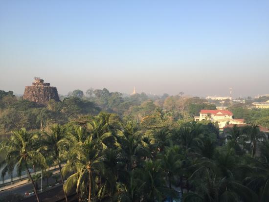 Landscape - Chatrium Hotel Royal Lake Yangon Photo