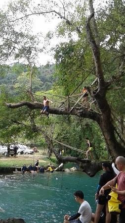 Vang Vieng, Laos: salto nel blu