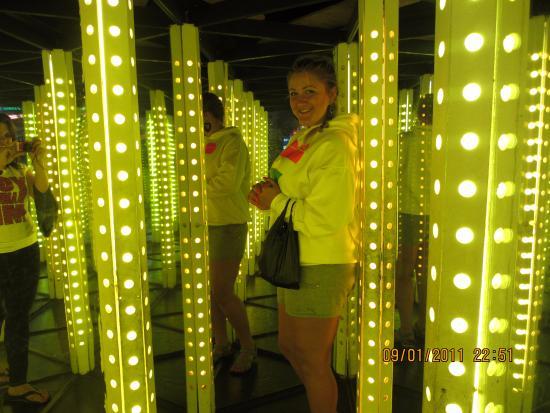 Ripley's Mirror Maze: зато можно со всех сторон налюбоваться собой)