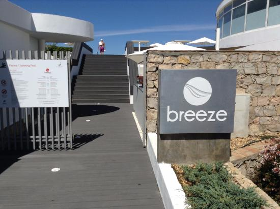 Vale do Lobo, Portekiz: Entrance to Breeze.