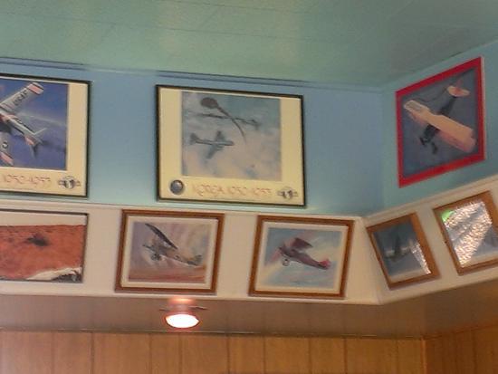 Kingman, AZ: Photos on wall
