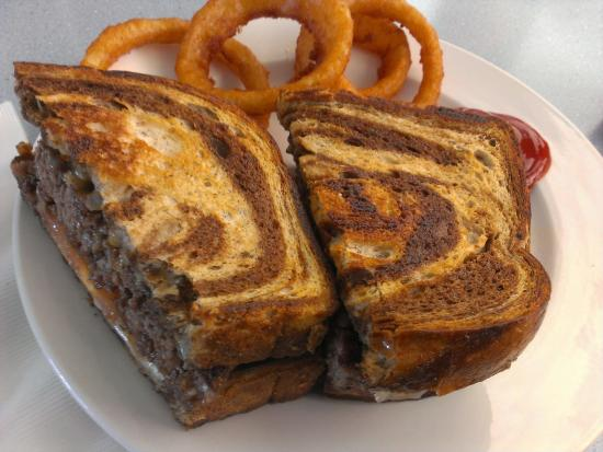 Kingman, AZ: Patty Melt & Onion RIngs (I had already eaten a couple of rings!)