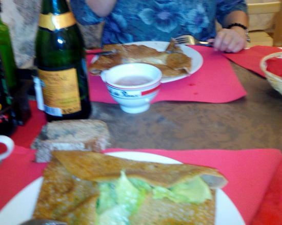 Restaurante creperiastjacques en ponteceso con cocina for Comidas francesas famosas