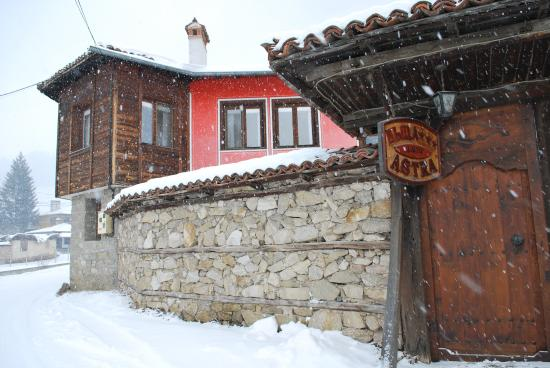 Hotel Astra: Astra Guest house in Winter 2016