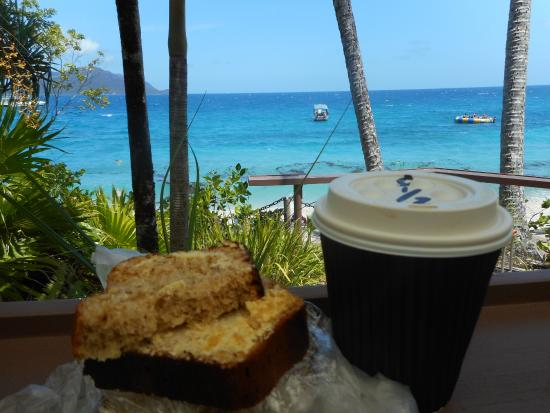 Fitzroy Island, Avustralya: Break fast at Foxy Bar